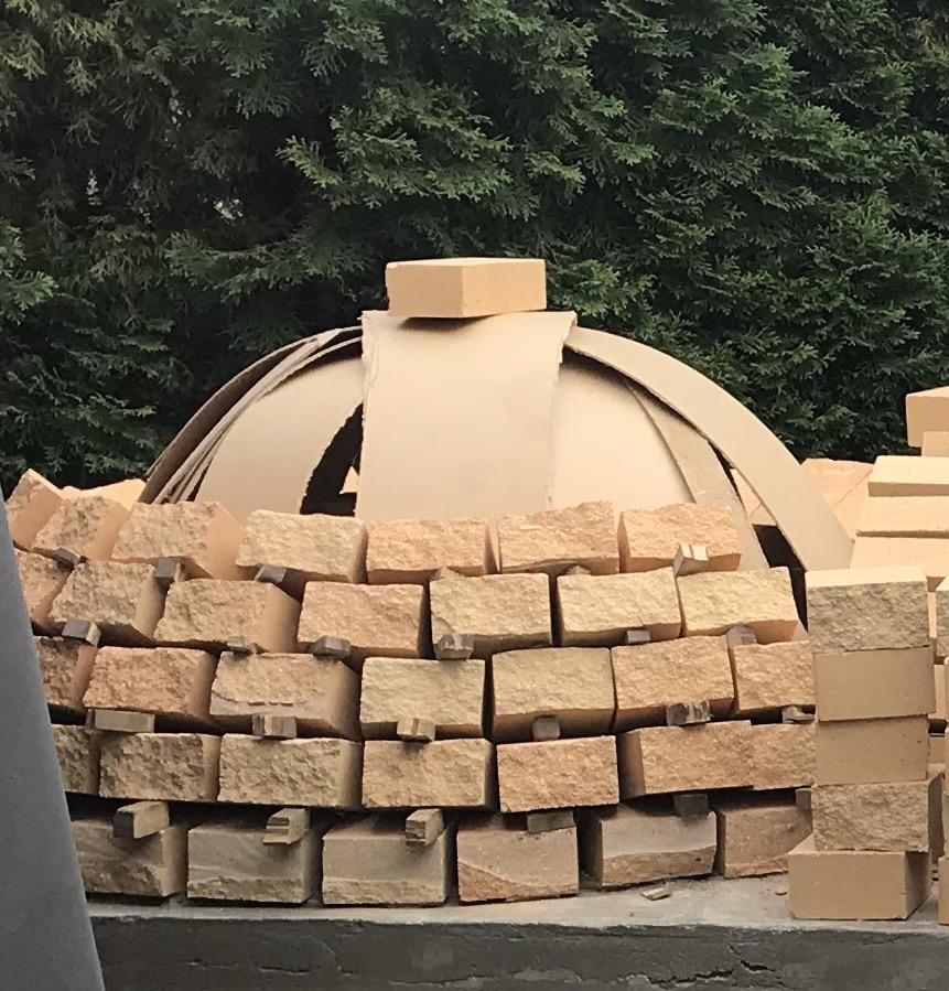 Pizzauuni pihalle muuraamisen tuet