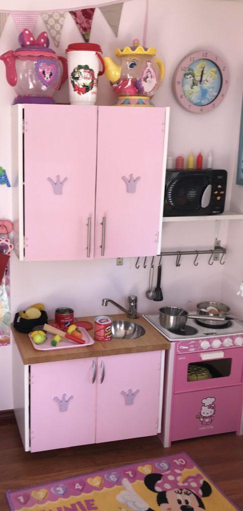 Leikkimökin keittiö