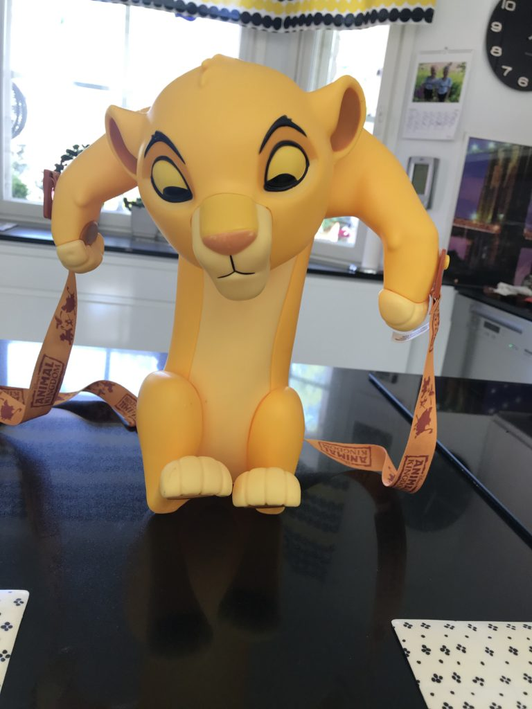 Disney DIY muistot. Simba popcorpurkki Animal Kingdomista.