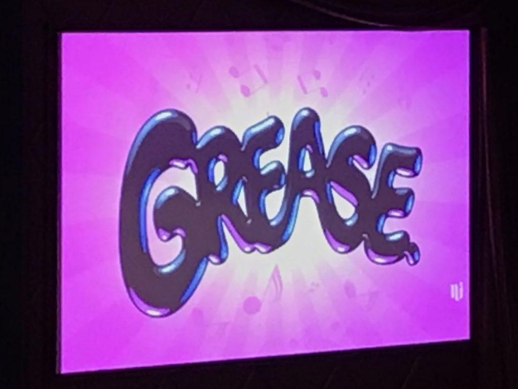 Viihdettä Karibian risteilyllä-Grease musikaali.