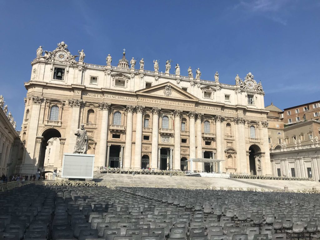 Välimeren risteily Pietarin kirkko Roomassa.