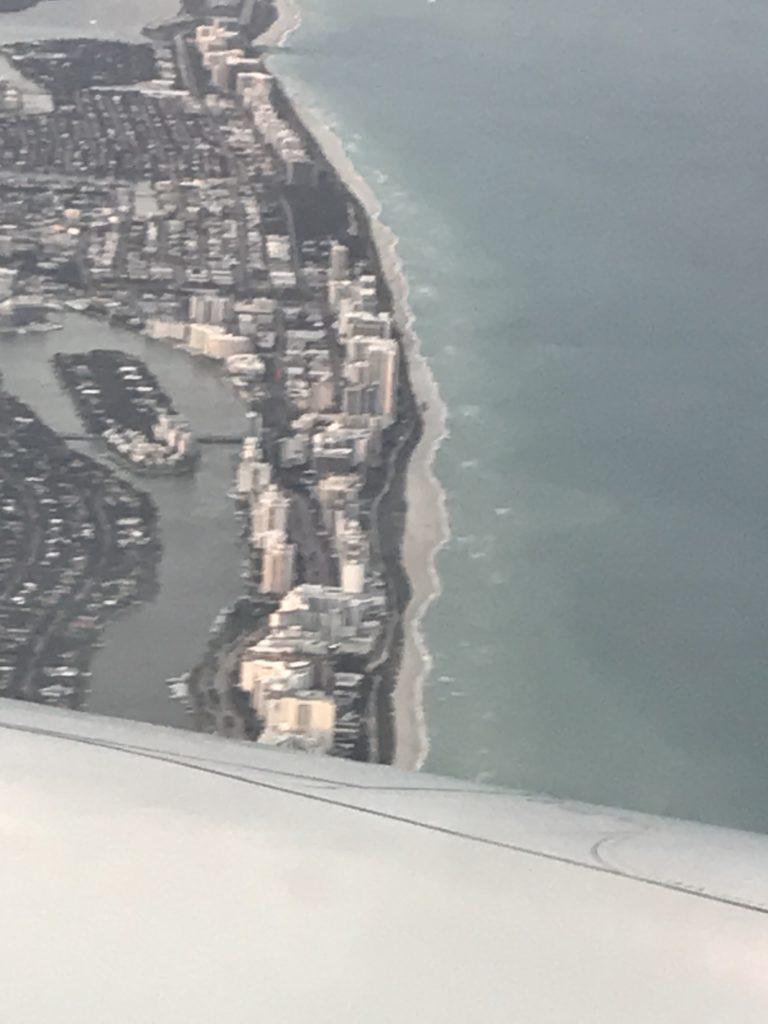 Kotiin lähdön aika. Lentokoneessa Fort Lauderdalen yläpuolella.