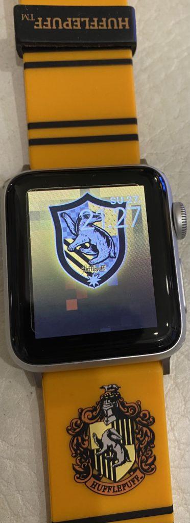 Apple Watch ja Harry Potter rannekkeet.