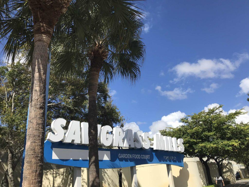 Sawgrass mills mall Fort Lauderdalessa on mainio ostospaikka.