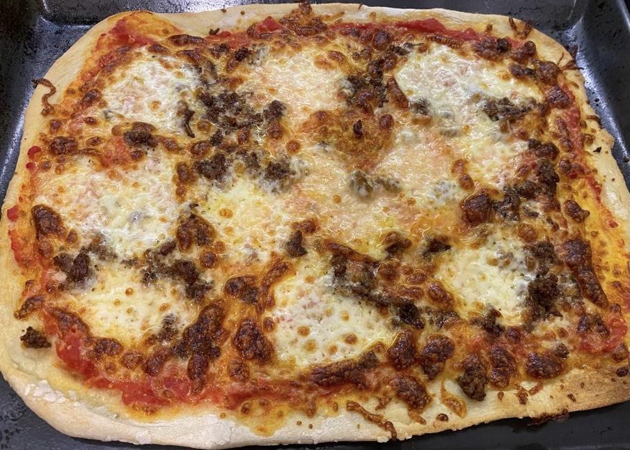 Pizzaa tavallisesta uunista.