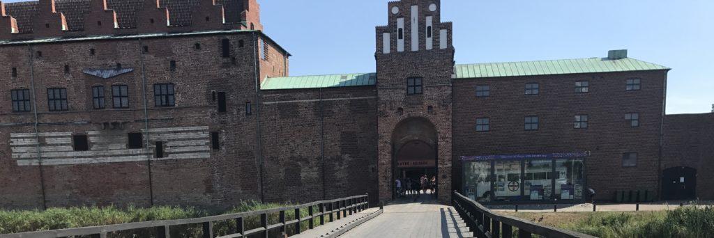 Muutto ulkomaille. Malmön linna.