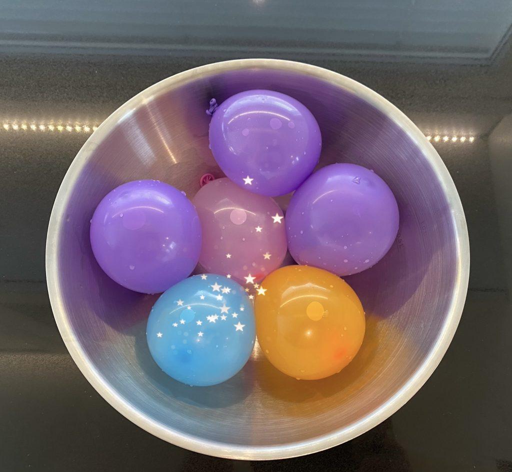 Iloista Vappua. Vesi-ilmapalloja, tottakai.